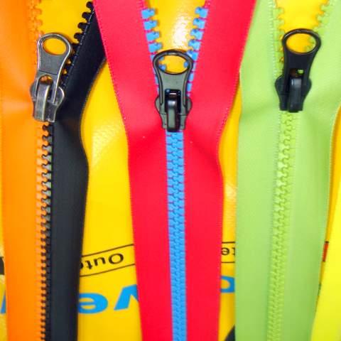 plastic water resistant zippers