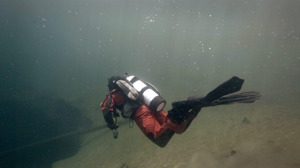heavy duty zipper for scuba diving
